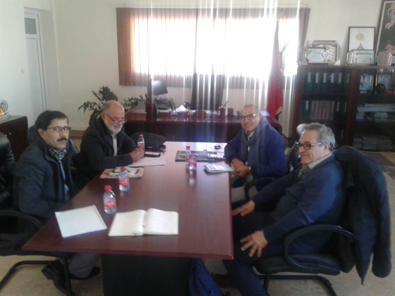نواب الرئيس يعقدون لقاءا تواصليا مع ممثل من بلدية
