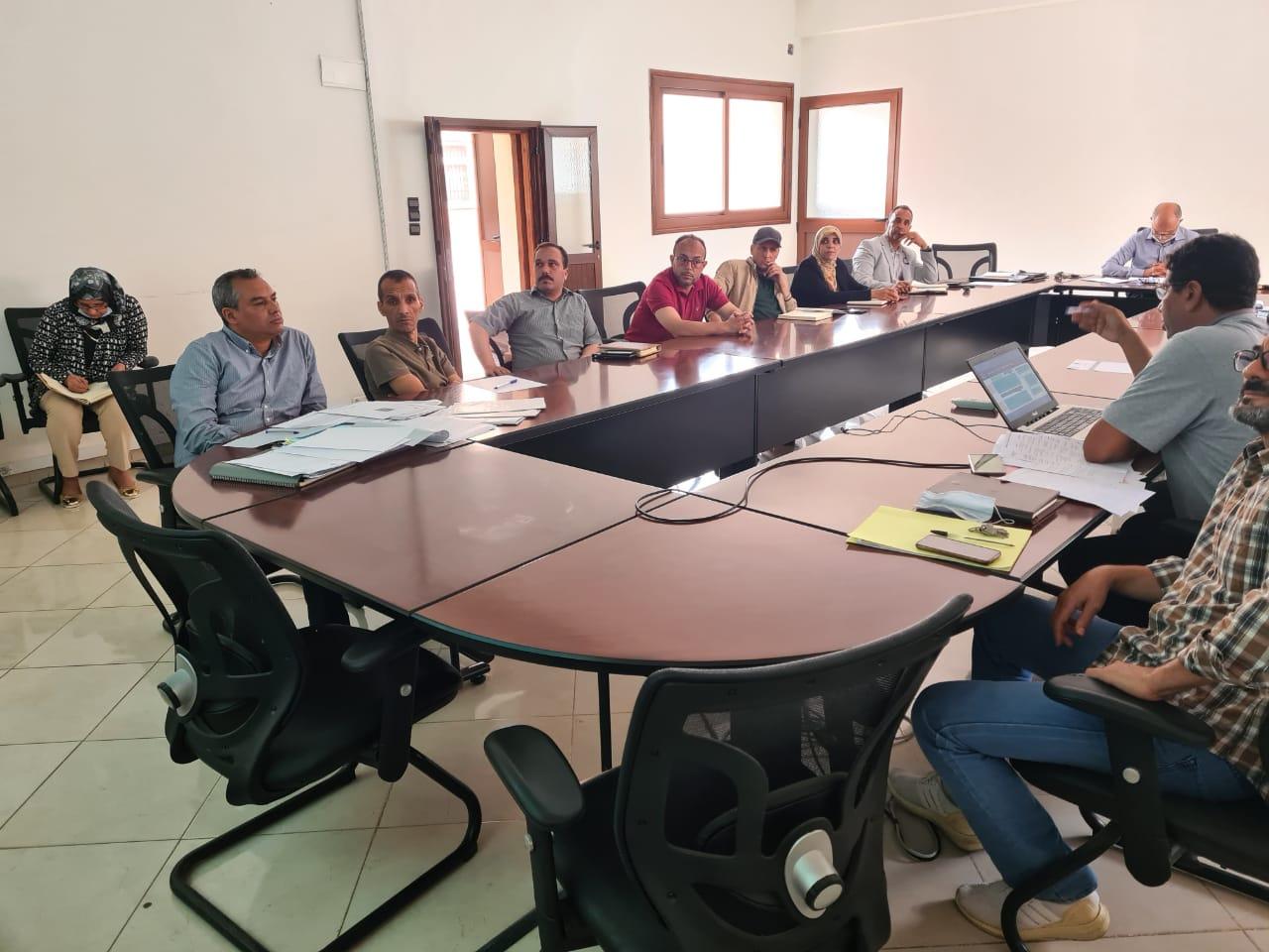 جماعة أيت ملول تعقد لقاء تواصليا مع موظفيها لبسط مضامين القانون رقم 19-55 المتعلق بتبسيط المساطر الإدارية