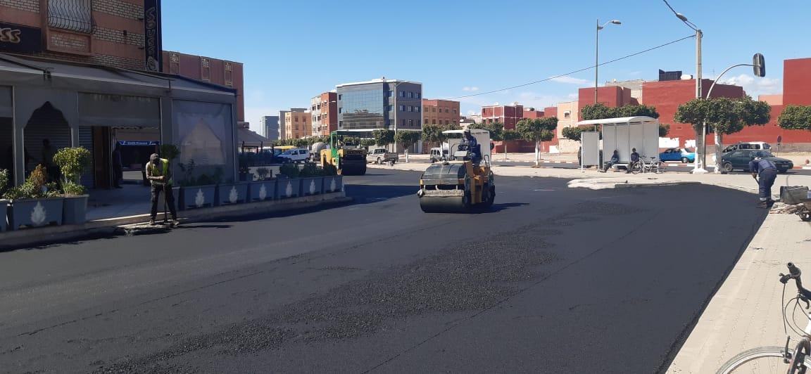 أشغال تهيئة ساحة سيارات الأجرة الفتح بحي الفتح بأيت ملول