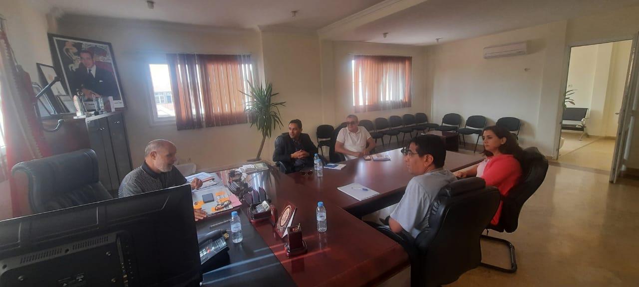 النائب الأول لرئيس الجماعة يستقبل مكتب دراسات مختص في شؤون الهجرة والمهاجرين مبعوث جمعية الهجرة والتنمية.